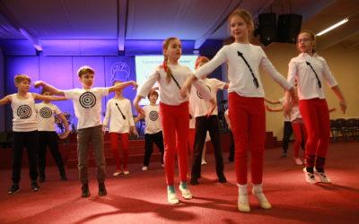 Vaikų kurto šokio šventė.